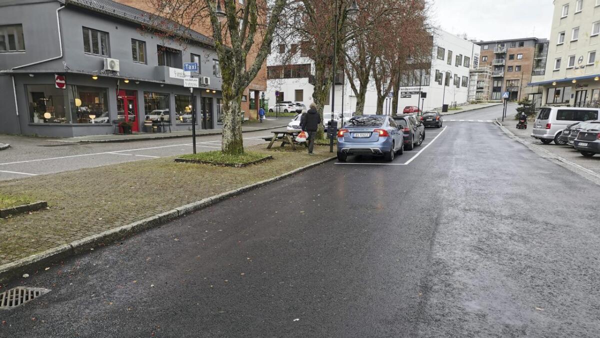 To merka parkeringsplassar sakna i Osen.