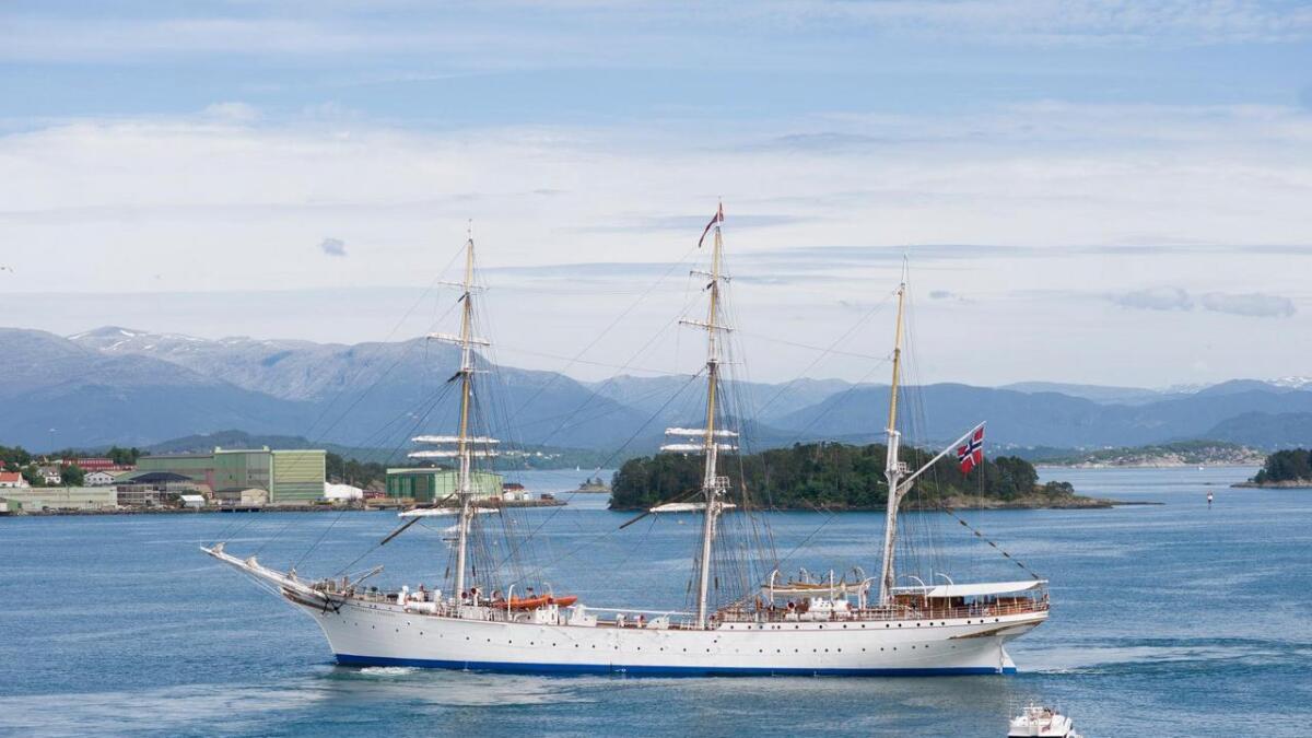 «Statsraad Lehmkuhl» får batteri om bord som vert lada av skipet sin propell.