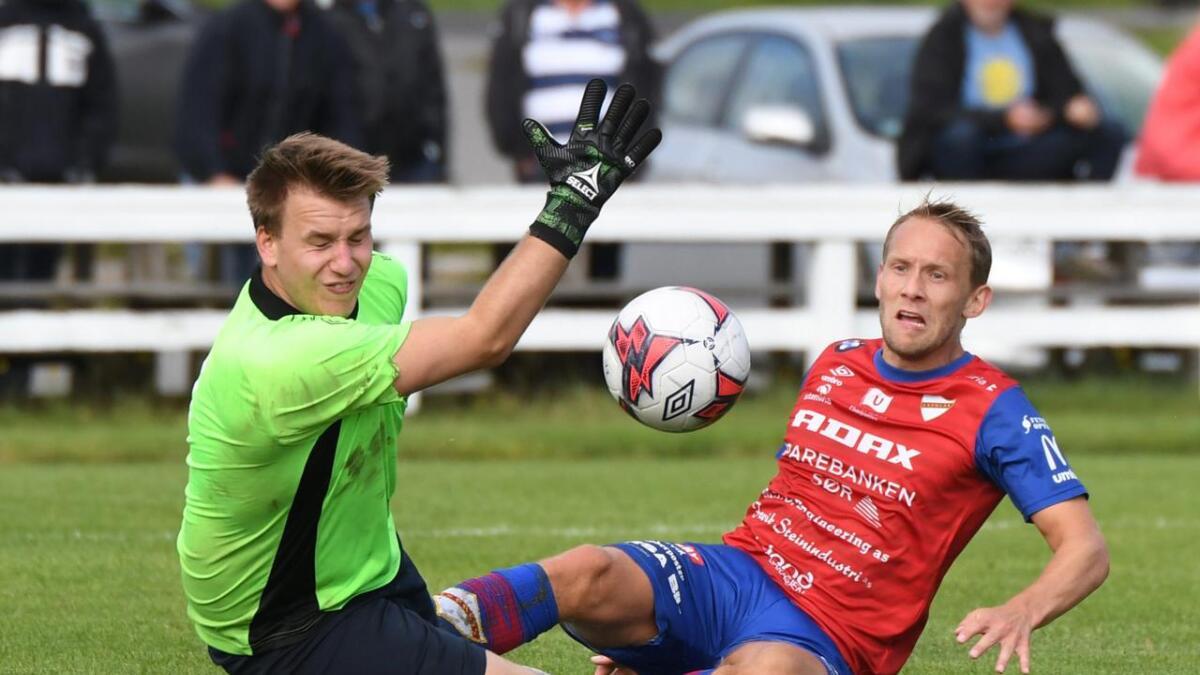 Tobias Olsvik sikret utligningen i den tøffe bortekampen mot Våg mandag. Men Fevik-laget sa seg ikke fornøyd.