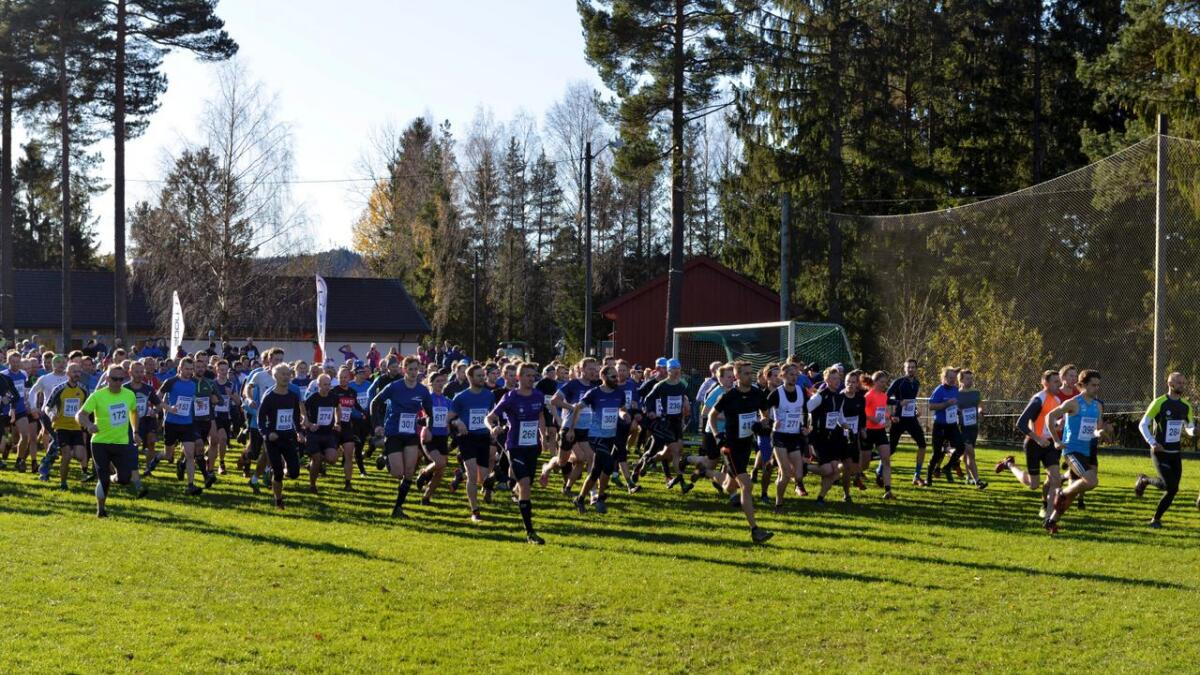 Terrengløpet Svalandsgubben inviterer for 46. gang eliteløpere og mosjonister til en bløt, hard og minneverdig rundtur over Svalandsheia.