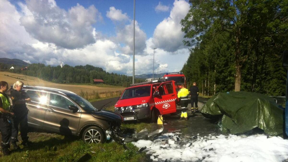 Alle nødetatene var raskt på plass etter melding om ulykken.