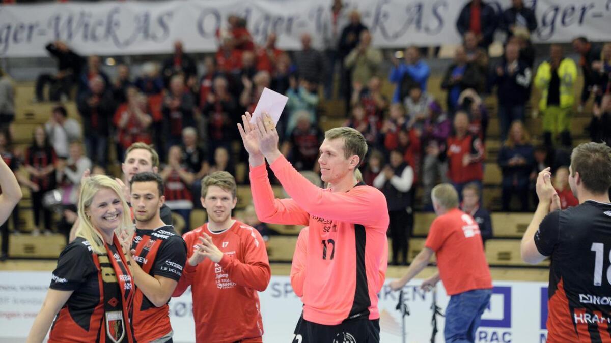 Åsmund Strat har forlenget med ØIF Arendal.