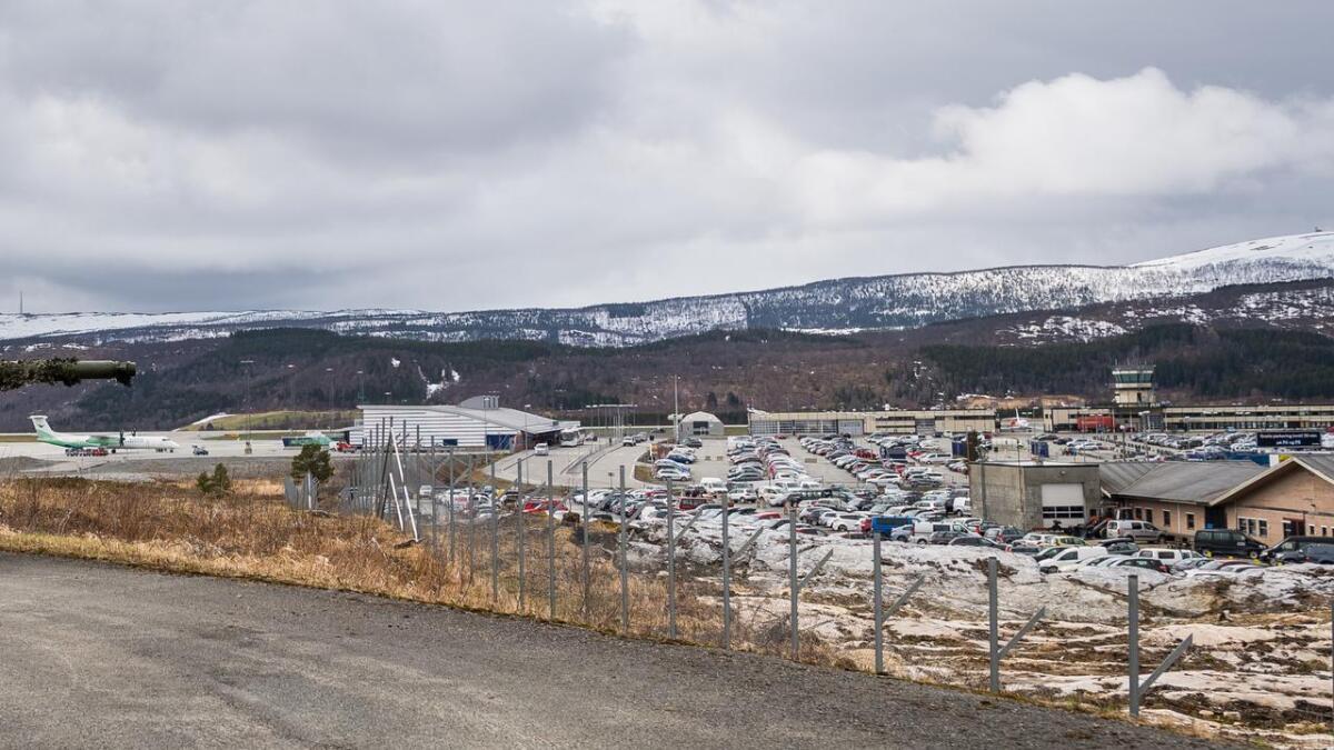 Det er bokstavelig talt turbulens i dialogen mellom Avinor og Forsvarsbygg på Harstad/Narvik lufthavn.