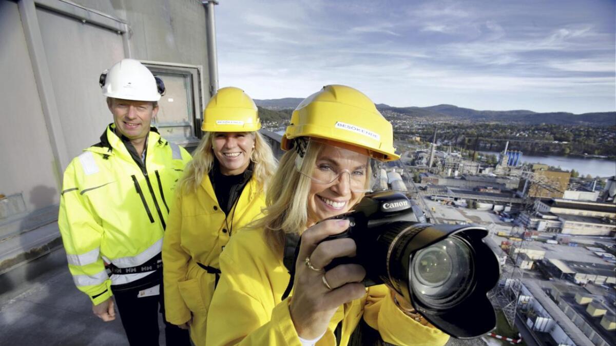 Prosjektleder Birgitta Gulla Løken, prosjektansvarlig Irene Siljan Vestby og forretningsutvikler Gard Madsen i Herøya industripark inviterer til industri-foto konkurranse.