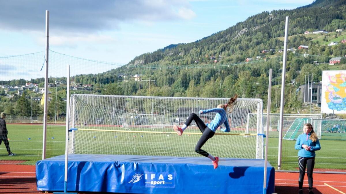 Patrycja Julia Pychyrek vann høgdekonkurransar for jenter i åttandeklasse.