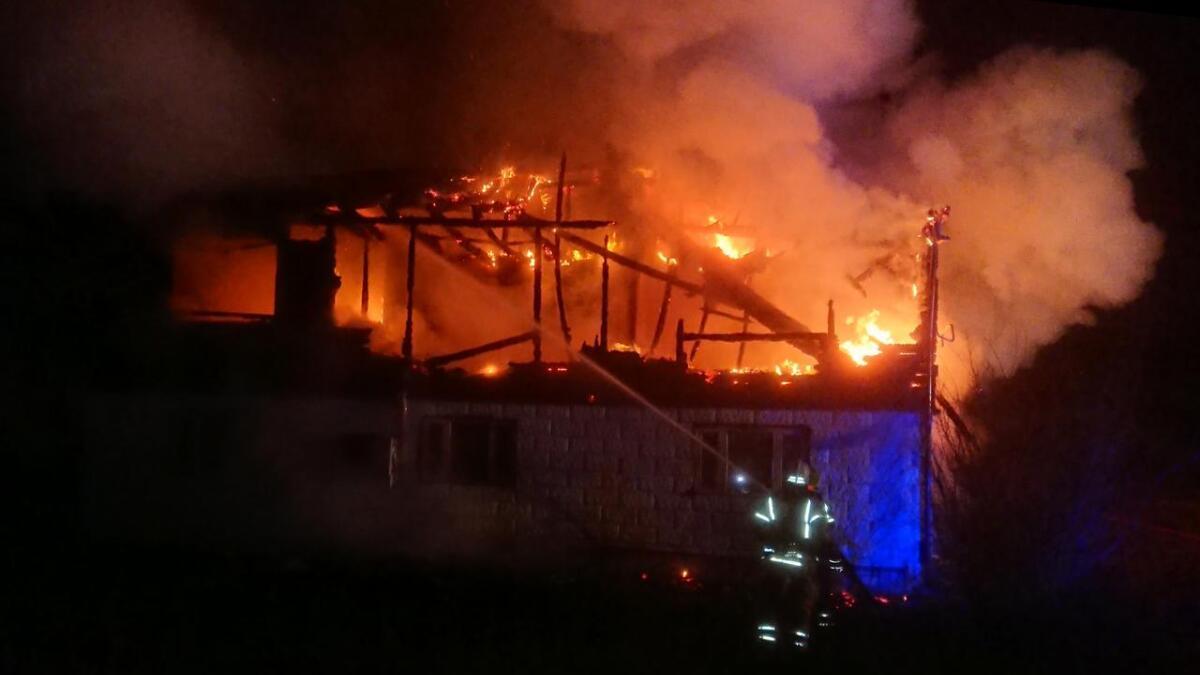 Røykvarsleren reddet tre liv i natt