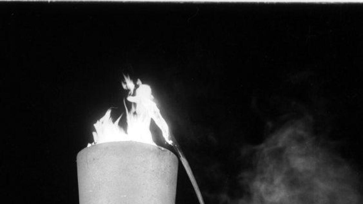 Den store augneblinken kom då Arne Gjengedal Hesla tende sjølve flammen i flammetårnet.