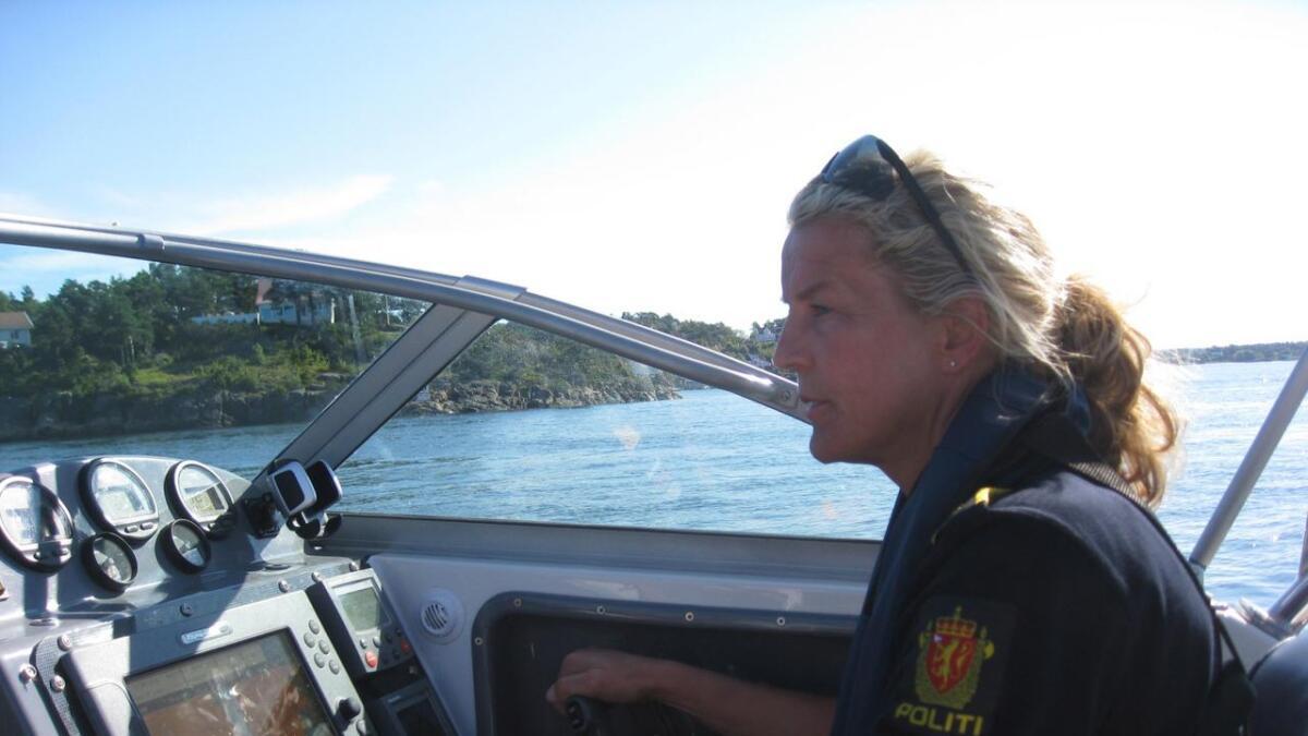 Koordinator for politiets båttjeneste Miriam Stausland ser en klar økning i vestbruken i år.