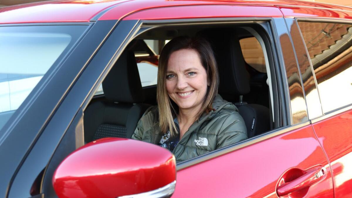 Vivi Christine Danmo røper at ho har sett på den raude Suzukien tidlegare. - Eg har kommentert at den bilen kledde du godt, skyt ektemannen inn.