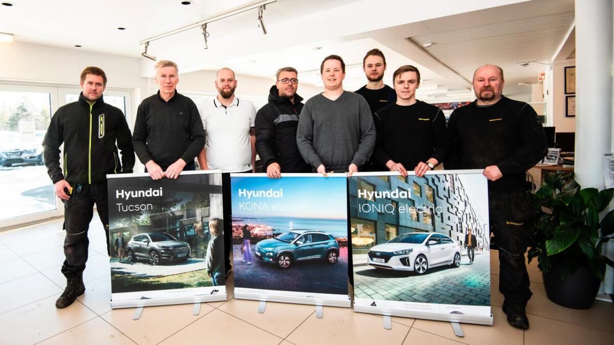 Glenn Thorsen, Magnar Hovatn, Espen Z. Harnes, Lars Markus Nygaard, Henning Kristiansen, Markus Haanes, Stian Langeland og Tom Ødegaard.