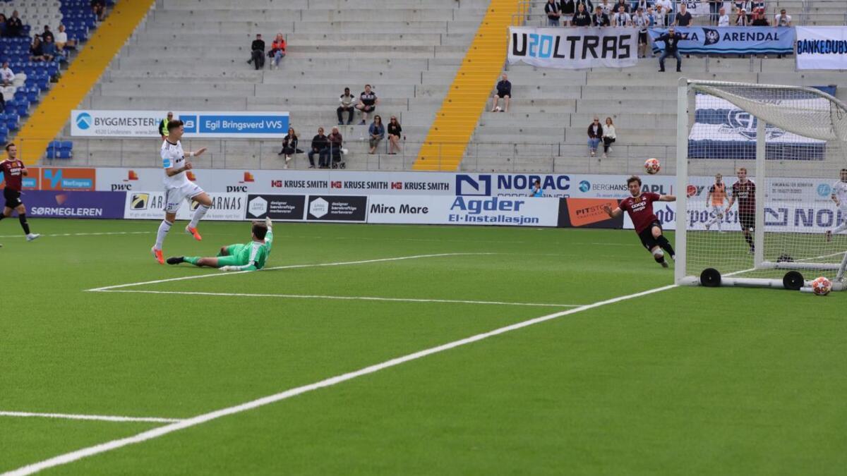 Stian Michalsen setter inn 1-0-scoringen etter 55 minutter.
