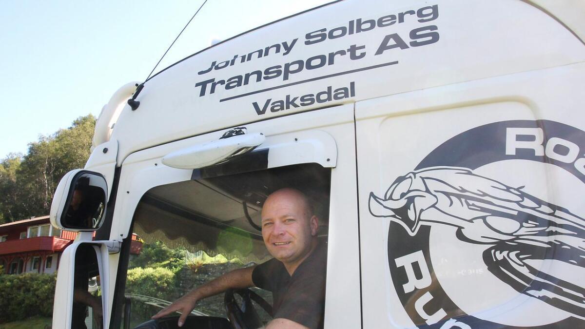 Johnny Solberg selde i 2018 transportfirmaet sitt, og fekk då ein fin økonomisk gevinst.