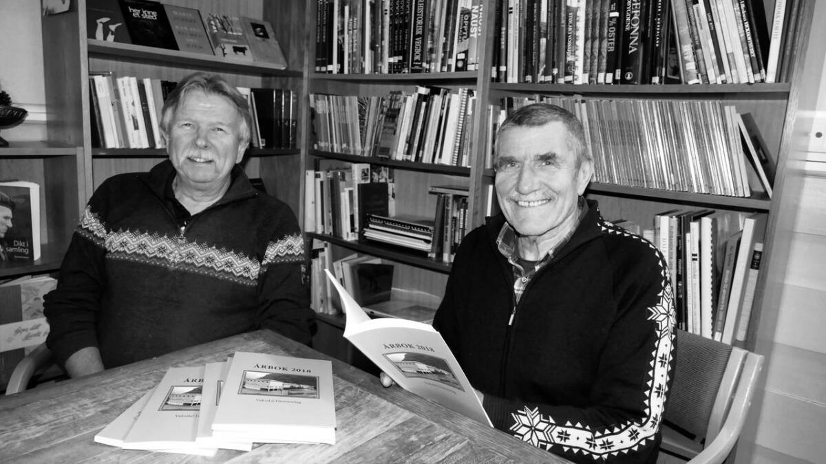 I fjor kom den 22. årboka i rekkja, med Rolf Erik Veka (t.v.), som redaktør. Dette året er det stoffmangel, slik at det vert inga bok, slår leiar i Vaksdal historielag, Sigmund Simmenes fast.