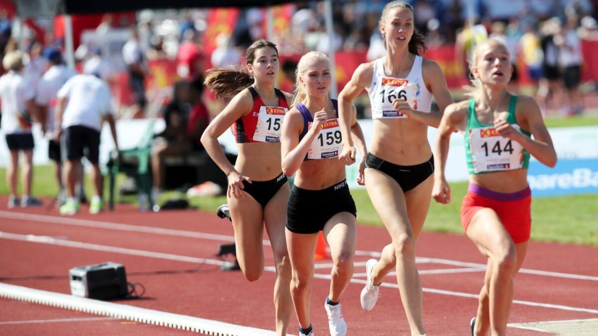 Anne Hjorth Arntsen (draktnummer 159) ble nummer fem på 800 meter her i NM-finalen for seniorer på Hamar, før hun kapret sølvet i junior-NM i Sigdal.