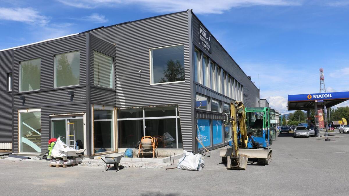 Det blir nytt liv i bygget langs Porsgrunnsveien.
