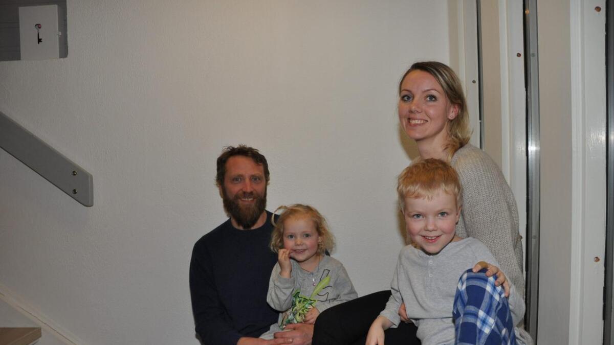 Rolf Kjetil Reinhardtsen (42), Line (3), Julie Birkeland (33) og Markus (5).