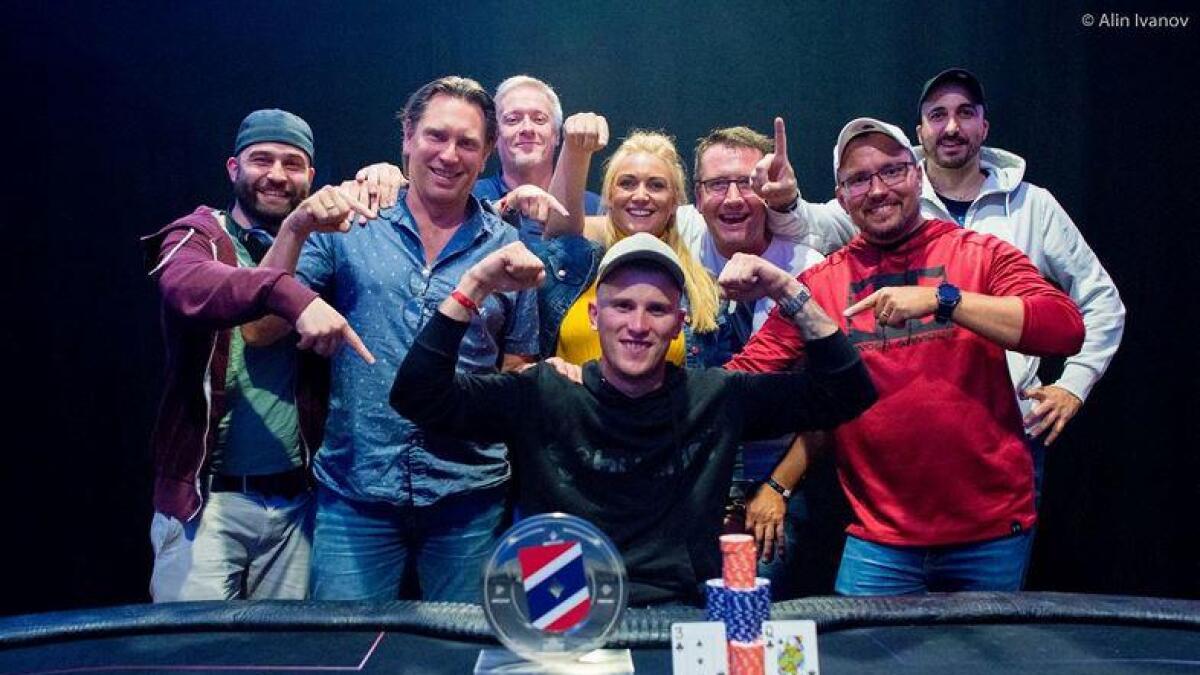 Tom Christian Bringa kunne juble for seieren i NM, en seier som ga han 81.000 kroner og en flott pokal.