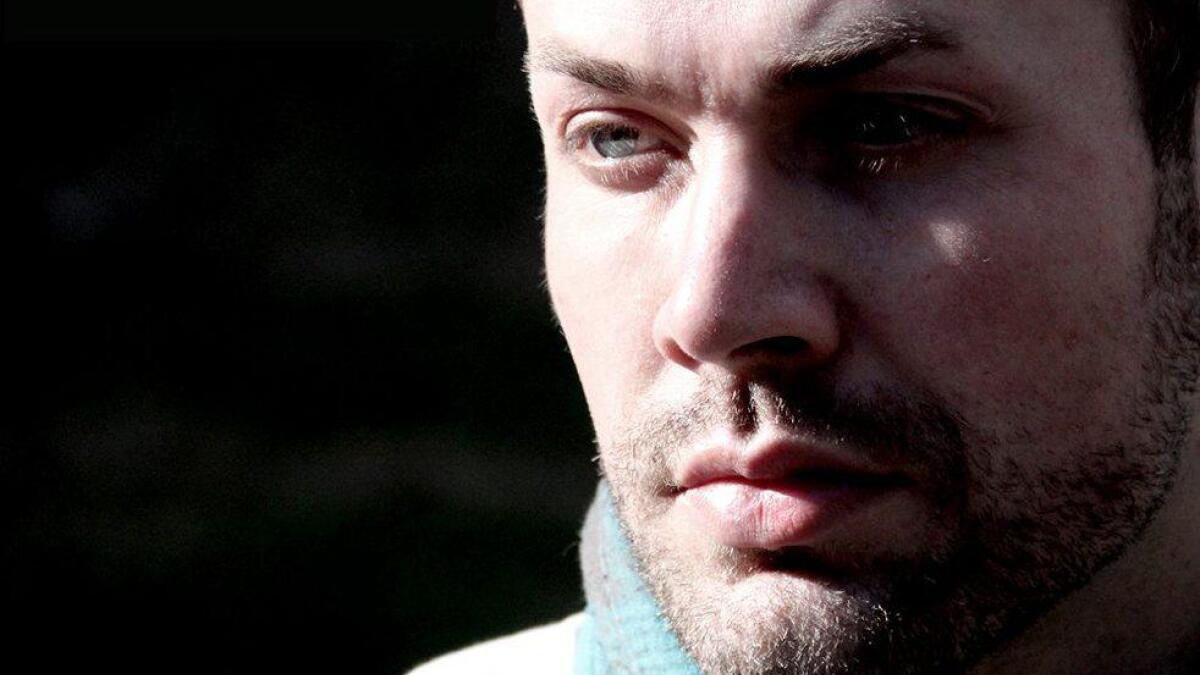 Per O. Noss jobbar med materialet til ei ny plate. Låten «Ein stad» er første smakebit.