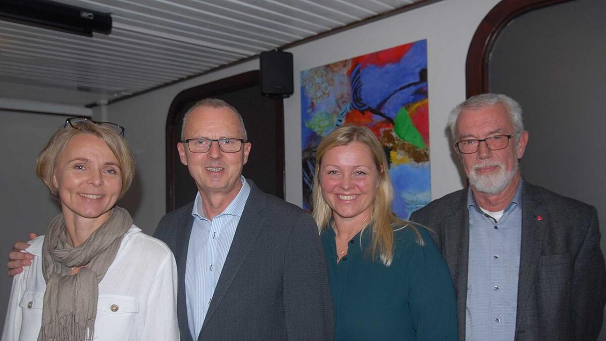 Inger Lise Lund Stulien, Åseral, Svein Arne Haugen, Evje og Hornnes, partisekretær Kjersti Stenseng og Sigbjørn Åge Fossdal som er ny ordførar i Bygland.