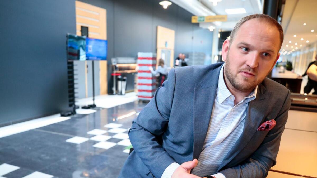 Samferdselsminister Jon Georg Dale vil fjerne bompenger på sideveie i eksisterende bomprosjekt.