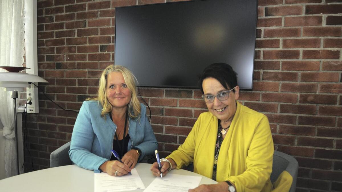 Grete Sjøli (Ap) fortsetter som ordfører og Vivian Wahl (Sp) fortsetter som varaordfører. Onsdag morgen signerte de samarbeidsavtalen.