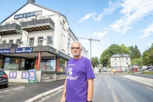 Kongens gate er stengt: Finn tar av egen lommebok for å lønne sine ansatte