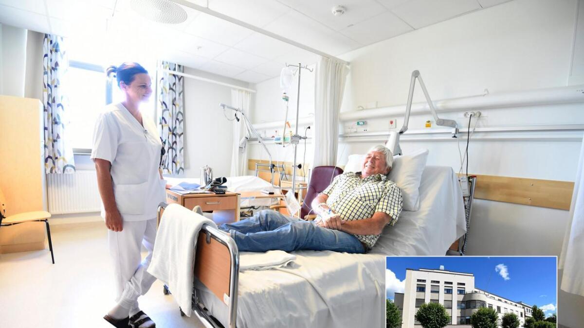 – Jeg er veldig fornøyd med Betanien Hospital, sier pasient Kjell Myhren, her sammen med avdelingssykepleier ved                      revmatologisk avdeling, Kate Anita Berge.