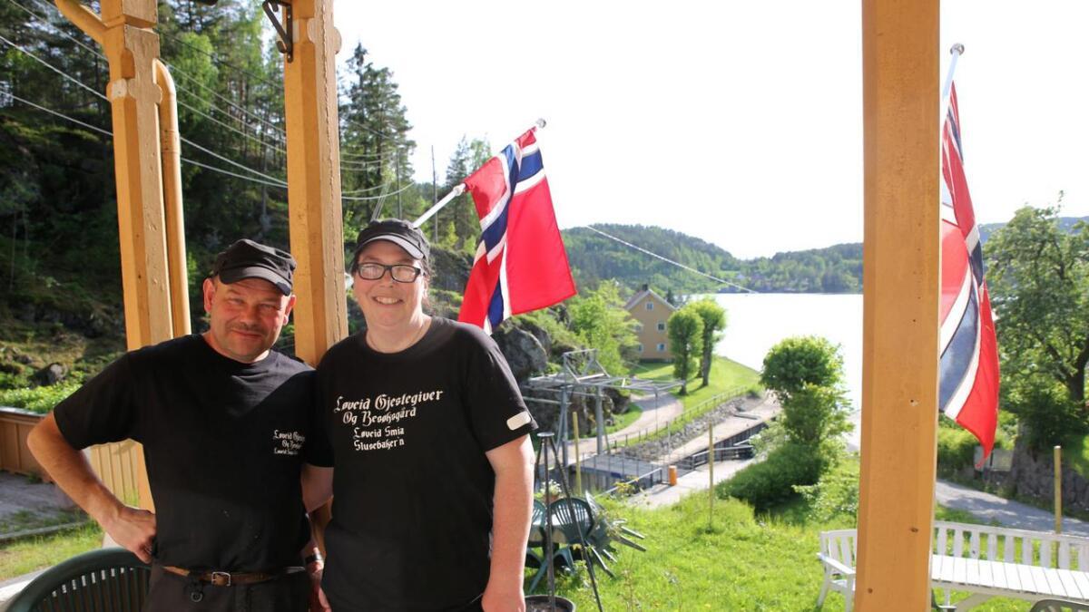 Kai og Elisabeth Olsen realiserte sin drøm etter at de tok over Slusmesterboligen fra 1860-tallet på Løveid. Nå er det snart kroken på døra.