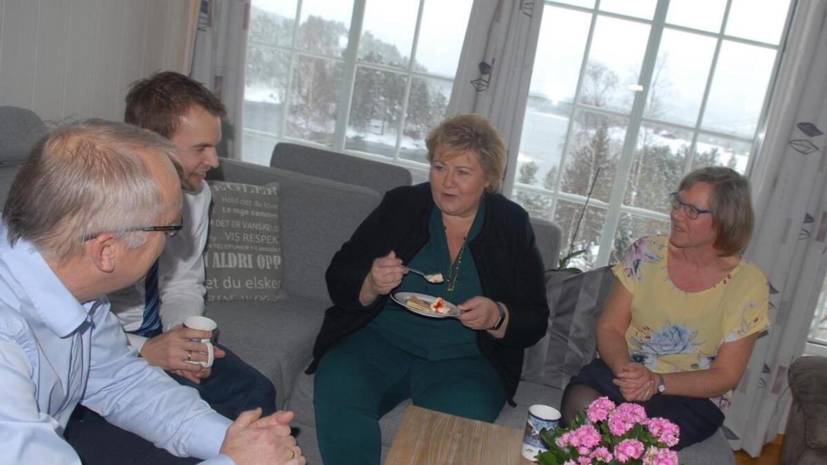 Bjørn Ropstad med Sørlandsis, statsråd Kjell Ingolf Ropstad, statsminister Erna Solberg og Gunda Ropstad, mor til Kjell Ingolf.