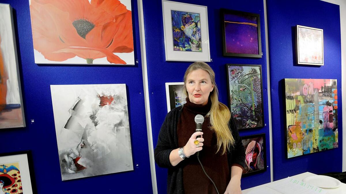 Vibeke Lillefjæret tok initaviet til gårsdagens kunstauksjon.