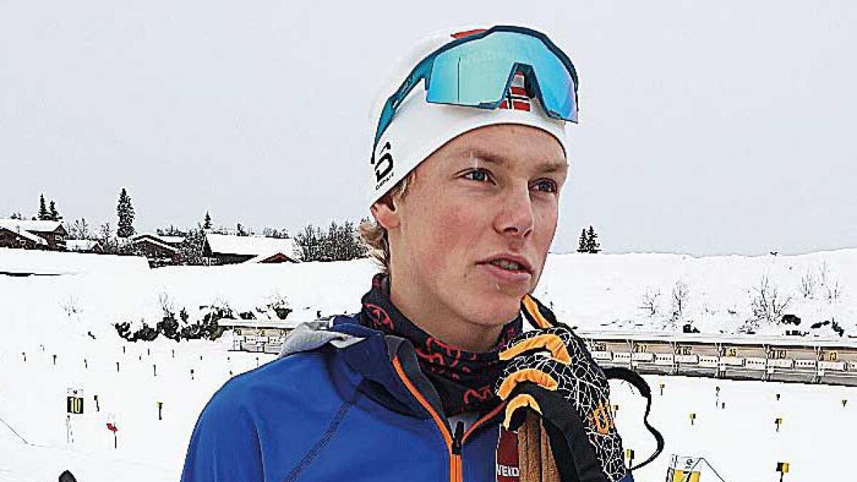 Aron Åkre Rysstad (20) vann kvartfinalen i sprint under sesongopninga på Beitostølen fredag.