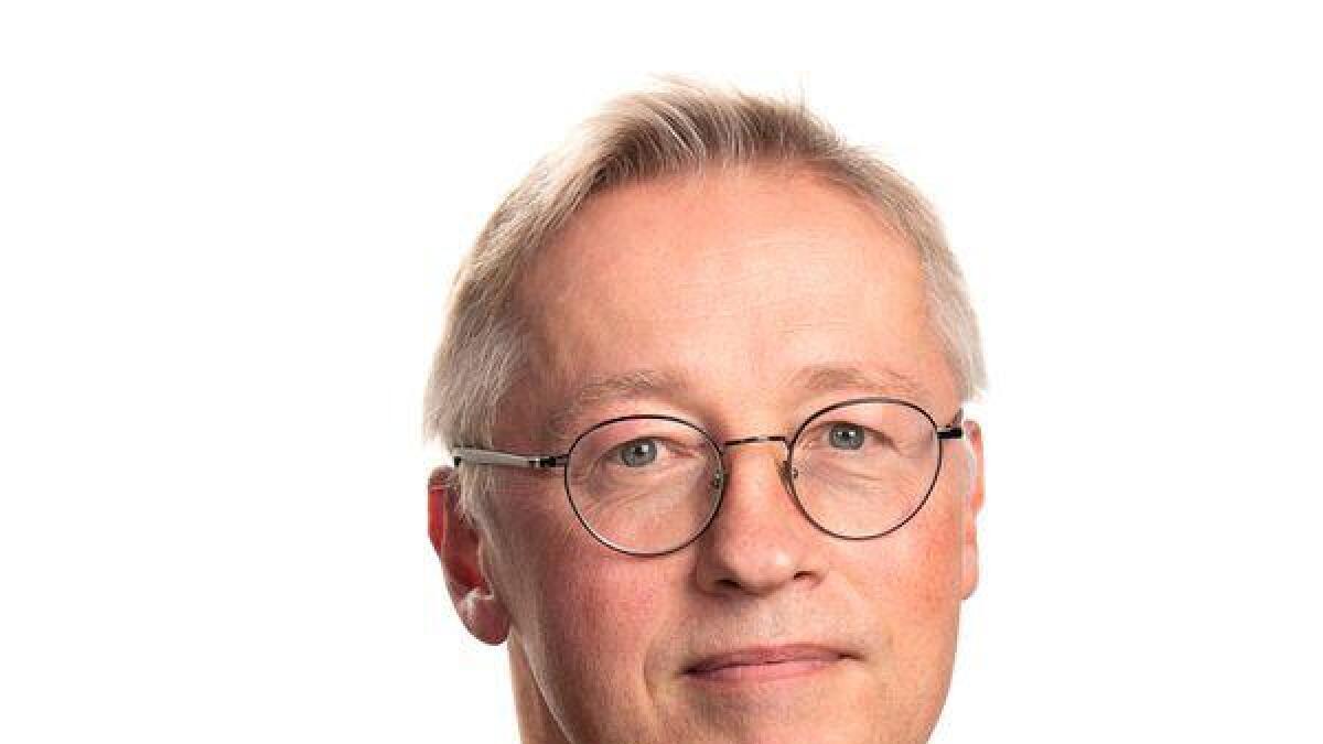 Sveinung Berg Bentzrød har vært journalist i Aftenposten siden 1986, og dekker forsvarspolitikk for riksavisen.