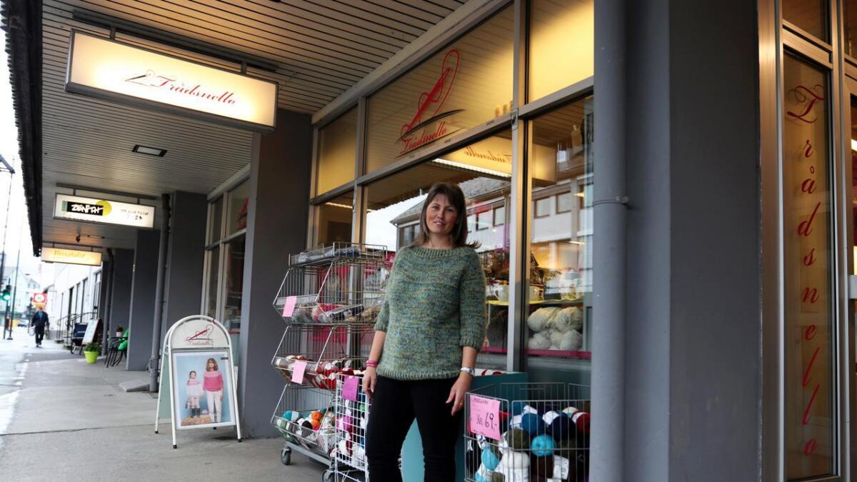 Lillian Midttun tok over butikken som no heiter Trådsnello, i 2017. Til då heitte den Seimen. Begge