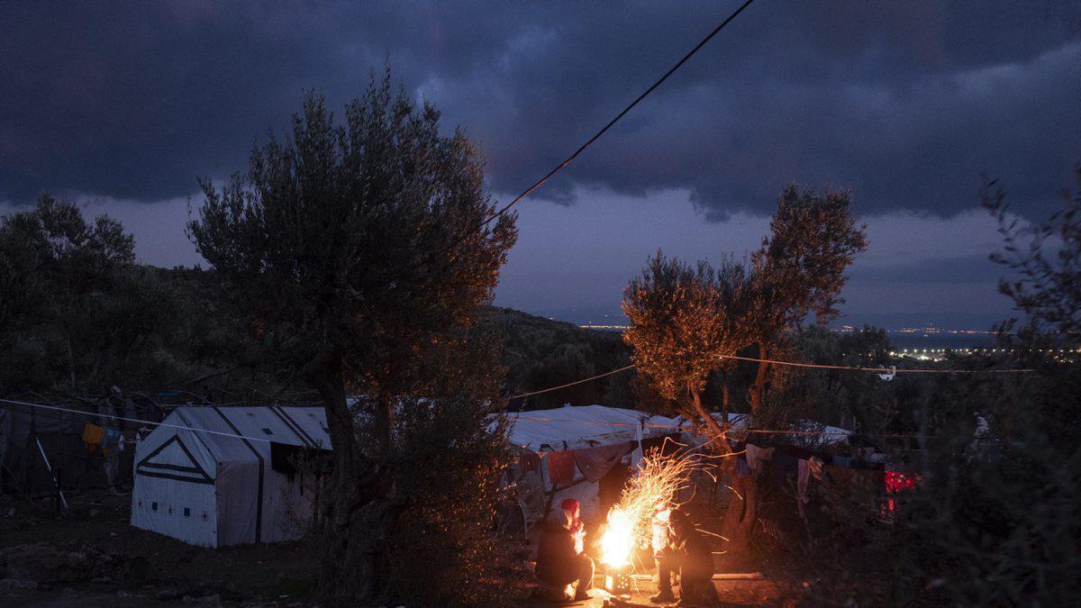 Fotograf Knut Bry er tilbake på Lesvos for å jobbe som frivillig i flyktningleiren Pikba. – Situasjonen er verre kvar gong eg kjem tilbake, seier han. Biletet er tatt i januar 2019 i ein olivenlund utanfor flyktningleiren Mória.