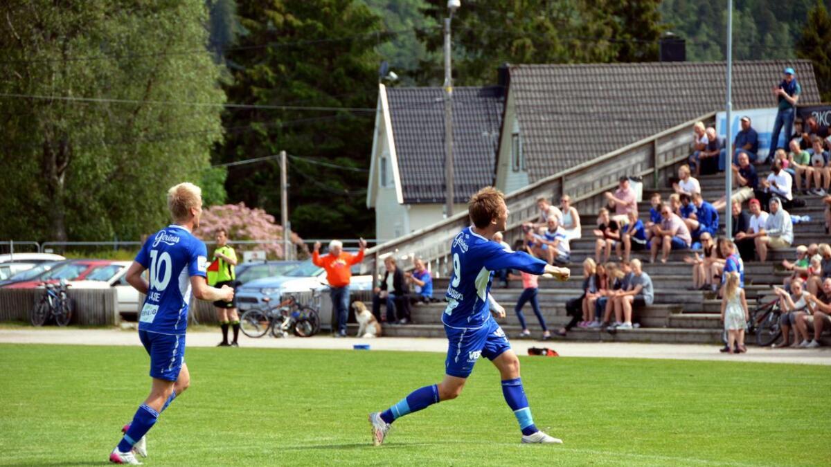 Øyvind Gausdal er en notorisk målscorer. Det er ikke uten grunn at han her kan feire sitt 151. mål for Vindbjart.