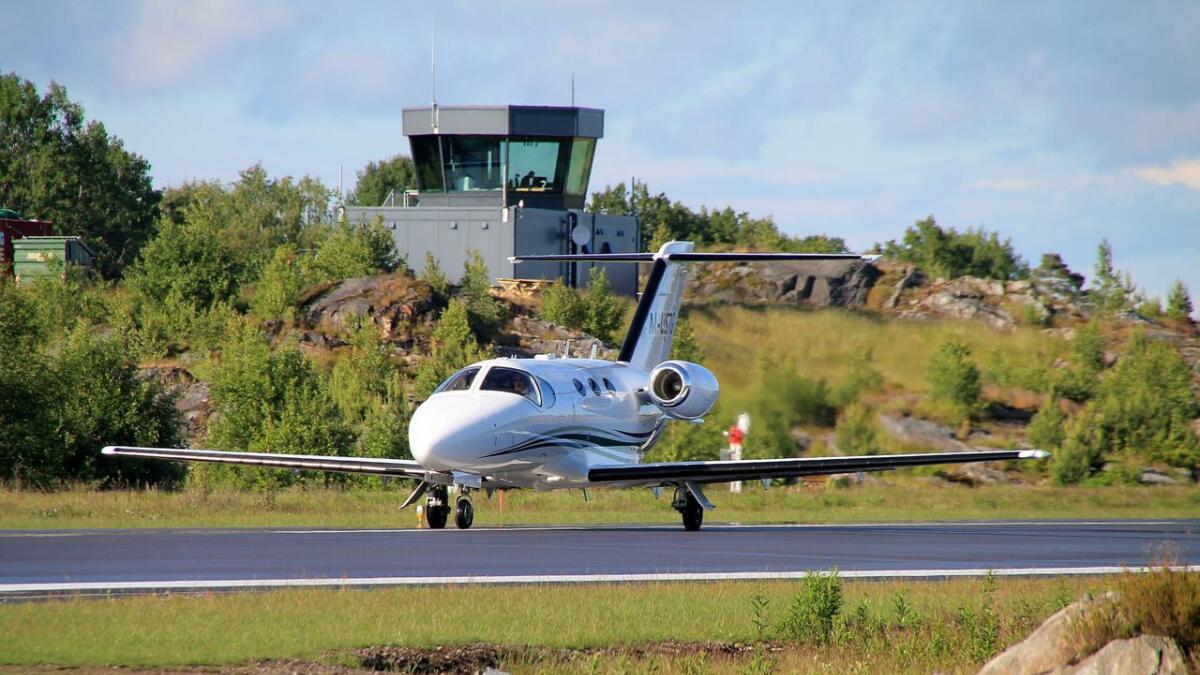 Fra neste høst blir det langt flere fly som tar av og lander når OSM Aviation Academy kommer til Froland.
