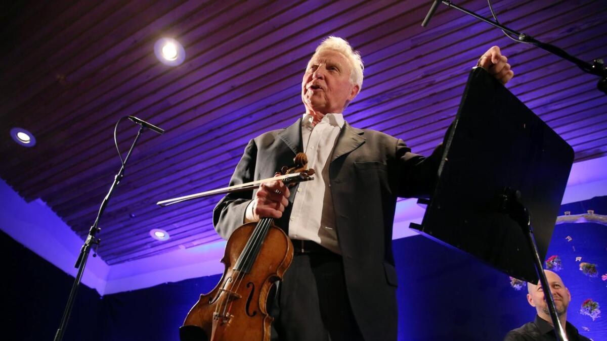 Arve Tellefsen fortel at han har hatt eit tilhøve til Voss gjennom mange år. Laurdag hadde han konsert under Osafestivalen.