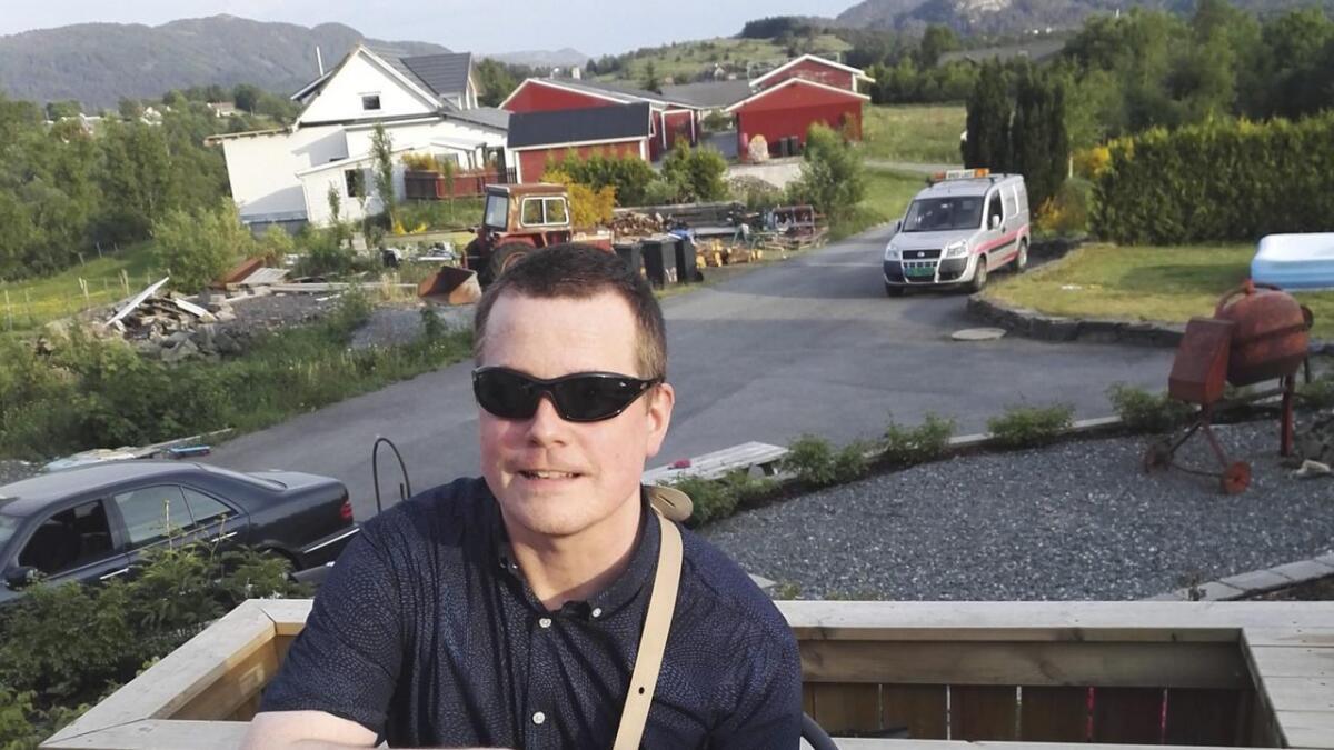 Oddvar Schei (50) har no skrive nok musikk til at han kan gje ut album.