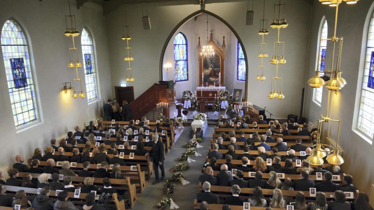 16 år gamle Johannes Vikestrand Brekke mistet livet i en trafikkulykke i Vormsund tirsdag sist uke. Fredag tok en fullsatt Årnes kirke farvel.