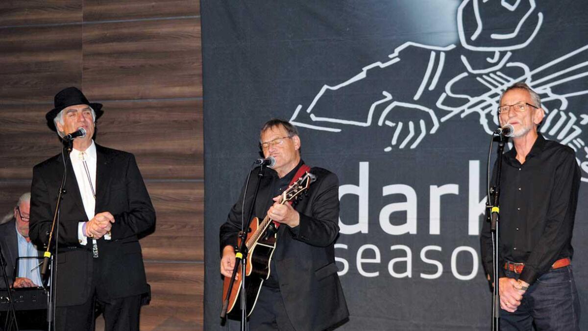 Dark Season tar til torsdagskvelden med storkonsert i Kristiansand domkyrkje. Der medvirkar mellom andre Bjøro Håland, her lengst til venstre i biletet.