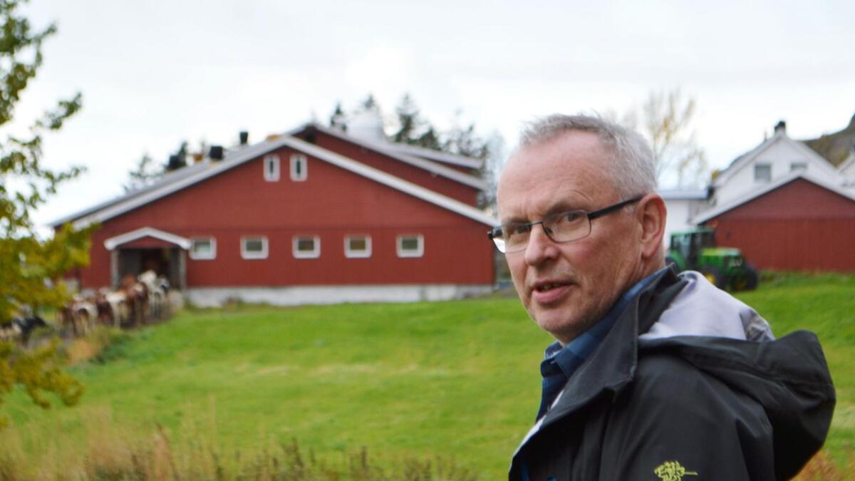 Lars Nicolaysen på Utbjørg håper Hadsel kommune vil legge vannledning videre fra Hokland.