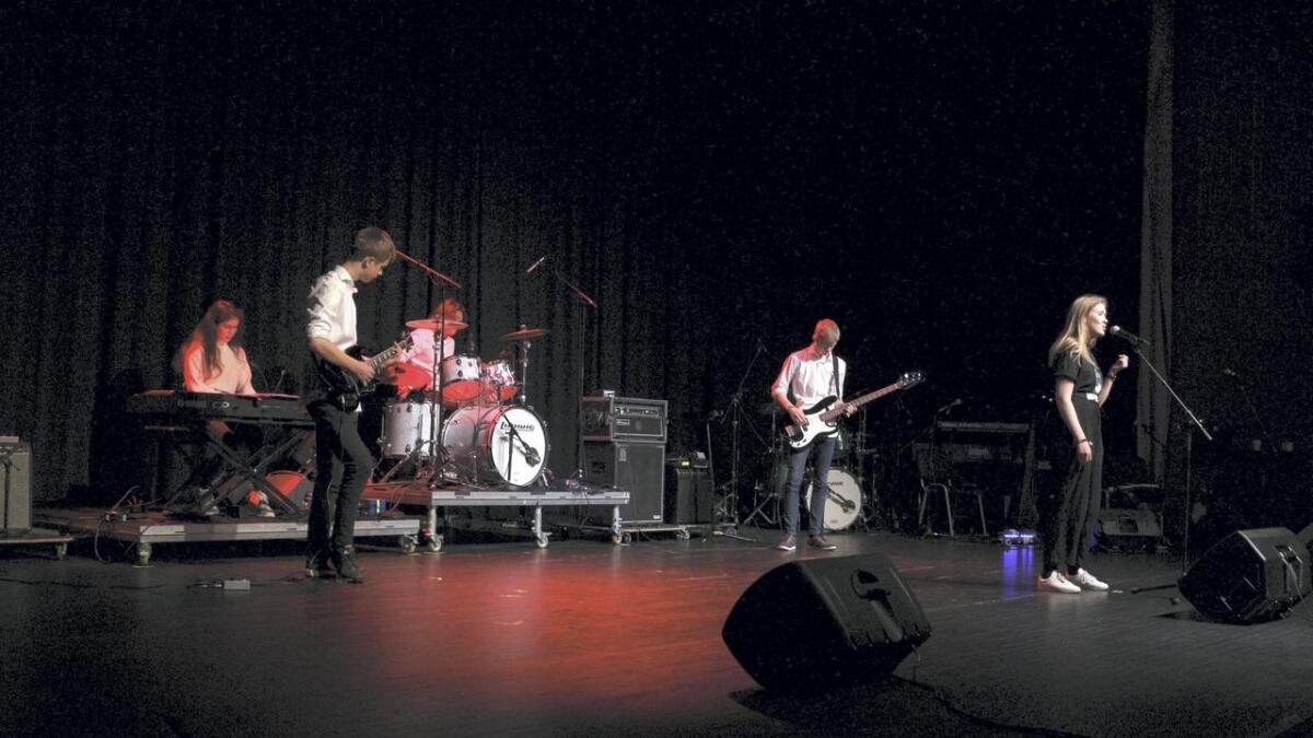 Bandet K5 deltok på UKM på Husnes. Frå venstre Julie Dalseid Landro, Emil Vaksdal, Åsmund Vetle Bru Nøkling, Njål Sæterdal Hægland og Hilde Vik Dale.