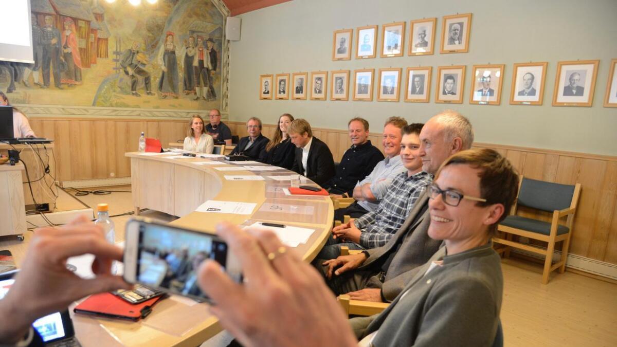 Sigrid Simensen Ilsøy, Torstein Seim, Martin Grøslandsbråten, Aslak Geir Skurdal, Runar Tufto, Bjørnar Bøkko, Elin Solveig Bondli Lauvrud og Kjetil Larsgard. Line Ramsvik (Venstre) ytst.