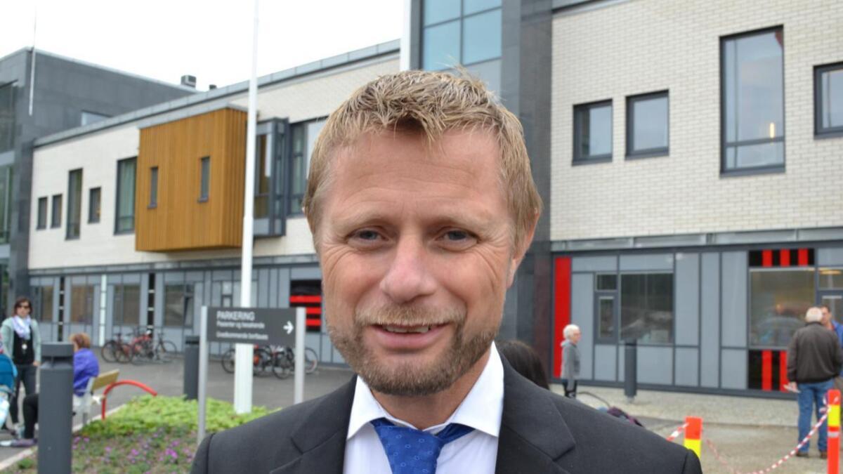– Det arbeides nå med å leie inn kompetente ambulanseressurser fra andre områder enn Vesterålen for å sikre beredskapen ut 2019, opplyser helseminister Bent Høie (H).