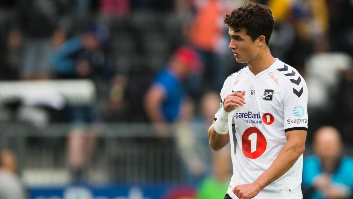 Filip Møller Delaveris og Odd er nå ikke enig om betingelsene i en ny kontrakt. Lørdag spiller 18-åringen mot Vålerenga.