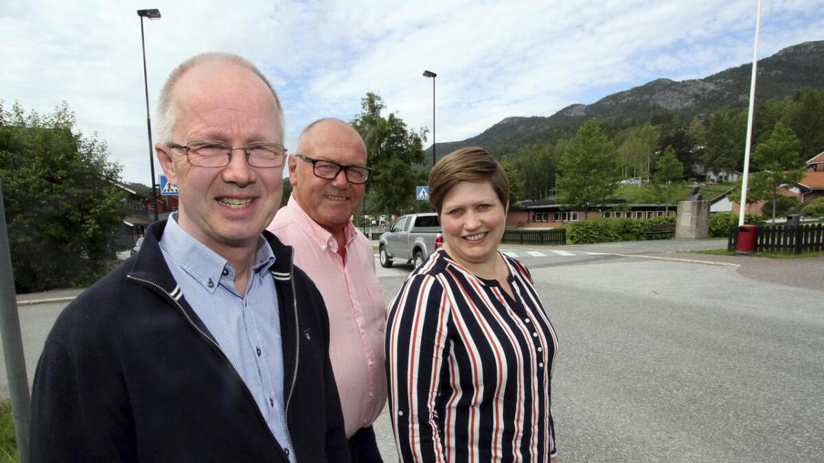 Ordførerkandidatene Per Dehli (H) og Halfdan Haugan (Ap) og Else Marie Dahl Eide (Sp),