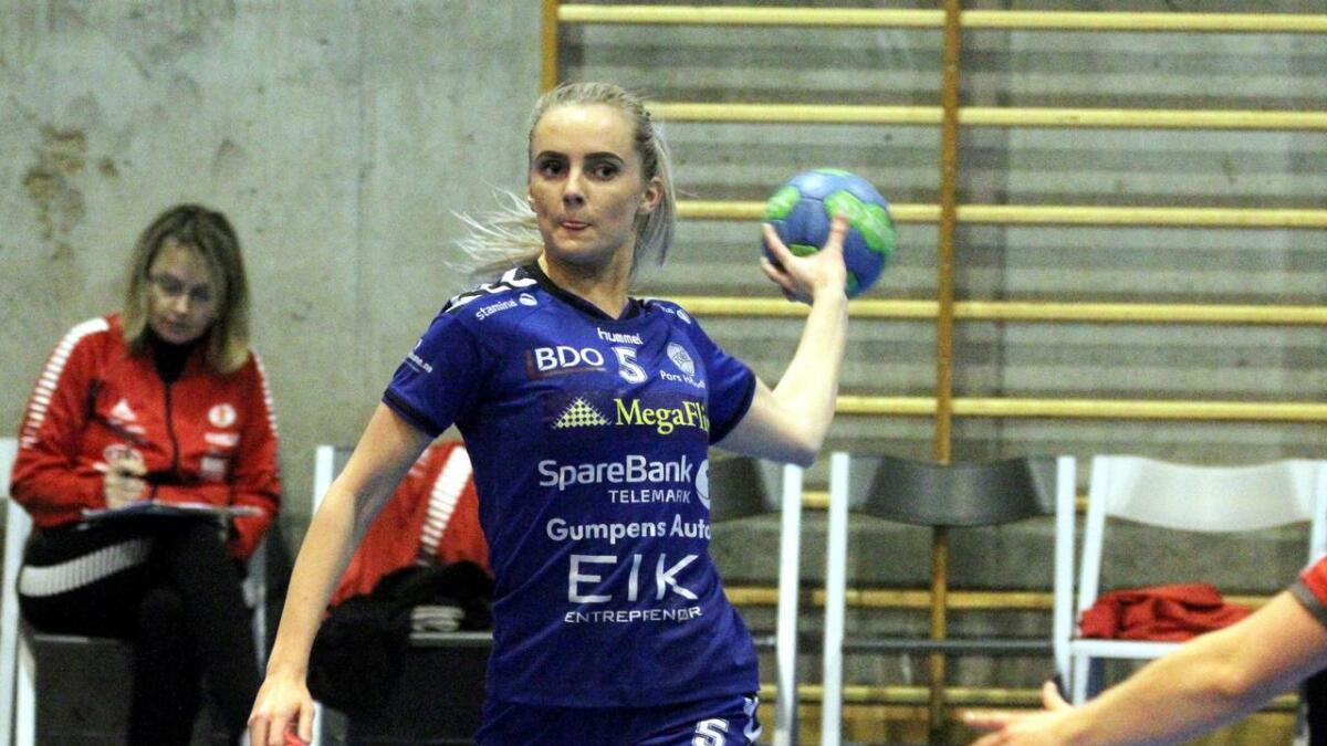Maren Troøyen er spillende trener, med hjelp fra Pors' sportslige utvalg.