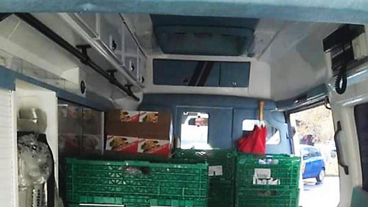 Matvarer som vert delt ut mat til familiar som slit økonomisk.