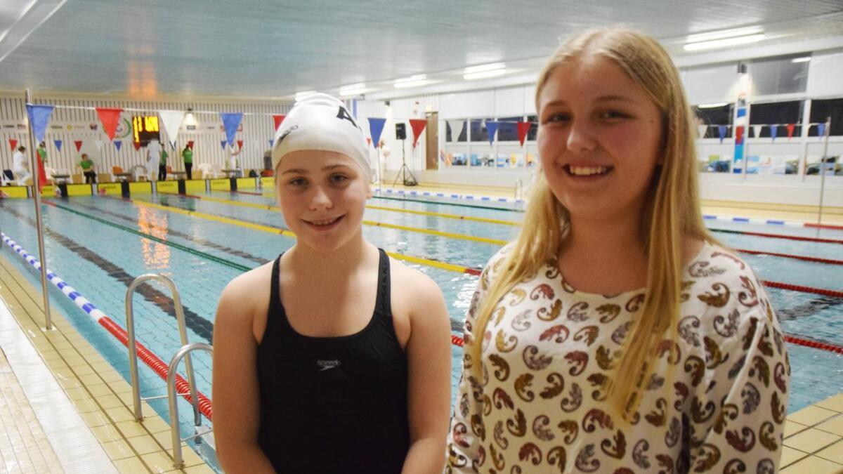 Marthe Jensen (t.v.) og Victoria Johannessen deltok i Andøycupen for første gang. – Stor stas, slår jentene fast.