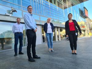 Stenger institusjoner i Arendal – har mistet kontrollen etter at festdeltagere dro på byen